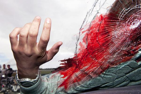 مٹہ، فاتحہ خوانی کے لیے جانے والے خاندان کی گاڑی الٹ گئی، 22 زخمی